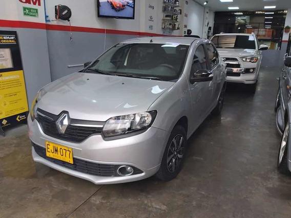 Renault Logan Intense - Exclusive