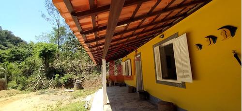 Chácara À Venda No Bairro Retiro - Volta Redonda/rj - St1147