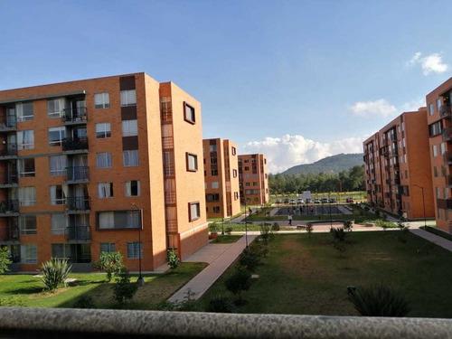Imagen 1 de 14 de Arriendo Apartamento En Madrid C/marca