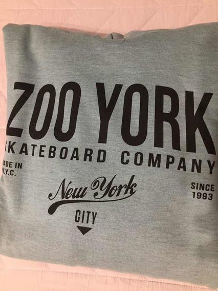 Buzo Zoo York. Talle M. Nuevo