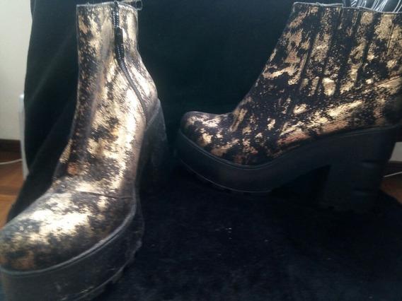 Botas Cómodas Y Livianas. Camufladas En Dorado Y Negro T35