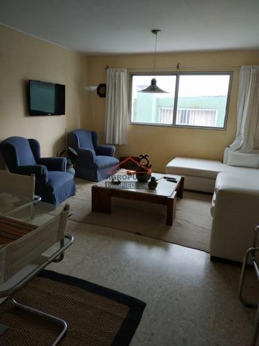 Apartamento En Venta, 2 Dormitorios En Punta Del Este - Ref: 5064
