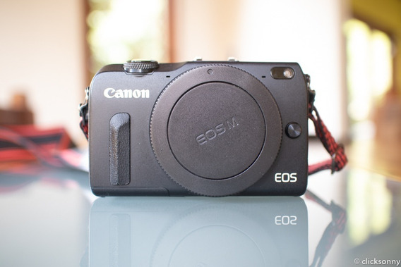 Câmera Fotográfica Canon M2 Mirrorless (corpo E Flash)