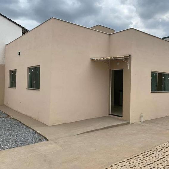 Casa Geminada Com 2 Quartos Para Comprar No Novo Campinho Em Pedro Leopoldo/mg - 15324