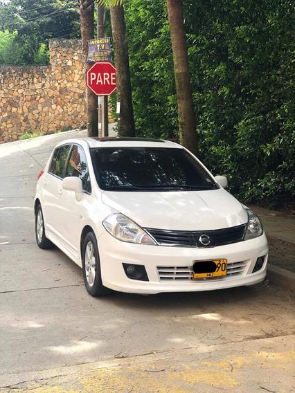 Nissan Tiida Hatchbag Full Equipo