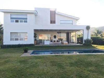 Hermosa Casa En Las Cañadas Con Alberca