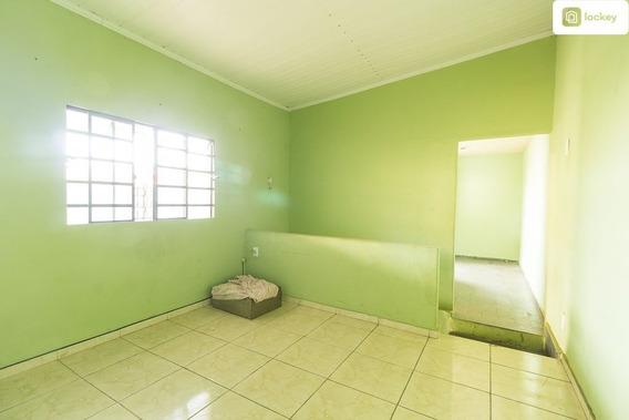 Casa De Fundos Com 45m² E 1 Quarto - 8224