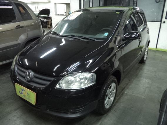Volkswagen Fox 1.0 8v Plus Total Flex 5p 2010 Preto