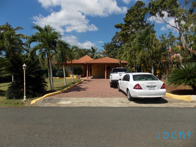 Jochy Real Estate Vende Villa En Casa De Campo
