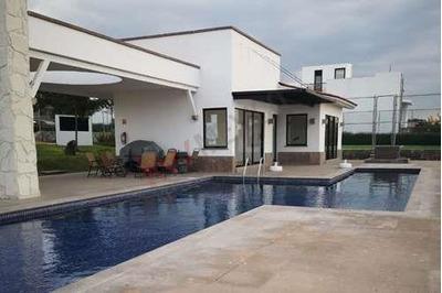 Renta Casa En Fraccionamiento Pedregal De Schoenstatt Con Seguridad En Queretaro $13,500 Mensuales