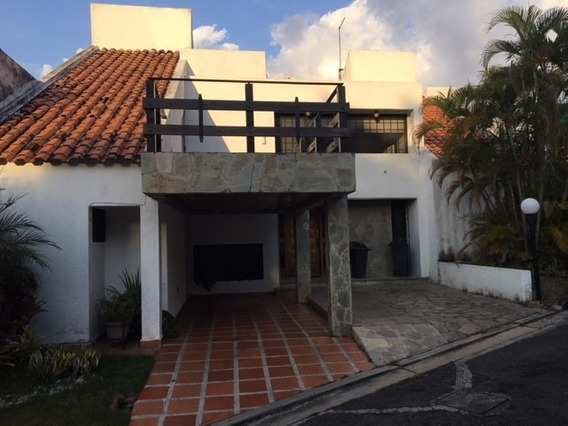 Townhouse En Altos De Guataparo. Wc