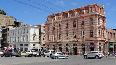 Inversionistas, Clásico Hotel De Valparaiso En Venta