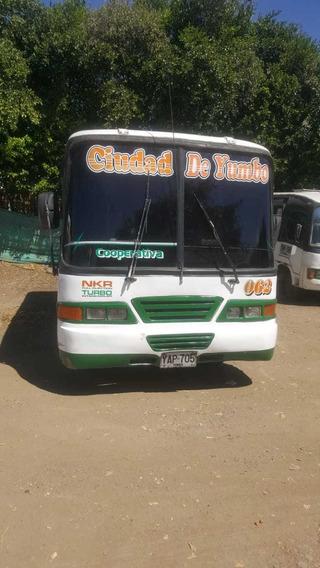 Buseta Nkr 2001