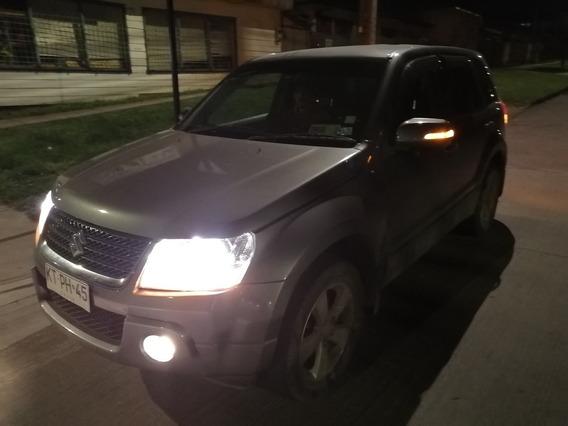 Suzuki Grand Nomade Escudo