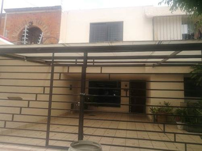 Venta De Casa En Zapopan Jalisco, Colonia Pinar De La Calma