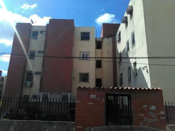 Apartamentos En Venta Este Barquisimeto 20-4878 Rg