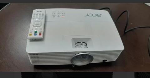Projetor 3d Acer P1185 + 6oculos + Filmes, Essa Semana 2000