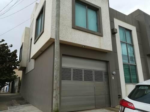 Casa En Renta, Col. Centro, Coatzacoalcos, Ver.