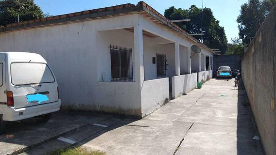 Vila Com 3 Casas. Cada Casa Com 2 Quartos, Sala Cozinha Am