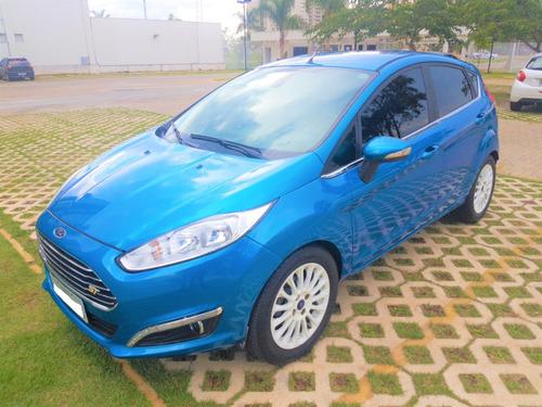 Ford New Fiesta 1.6 Azul Com Rodas Esportivas
