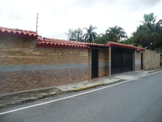 Rentahouse Vende Hermosa Casa Ic Código 20-3075