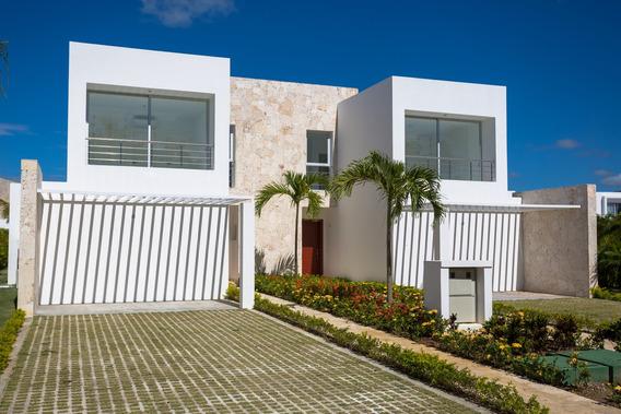 Villas En Marina Village En Playa Nueva Romana