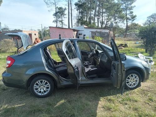 Suzuki Sx4 Sedán  Sedan Extra Full