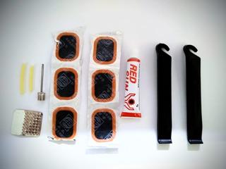 Kit Reparo Remendo Pneu Bike C/ Espatulas /bico Bola