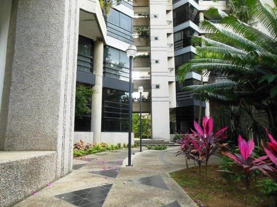 Venta De Hermoso Apartamento En La Florida / Ac 19-11513