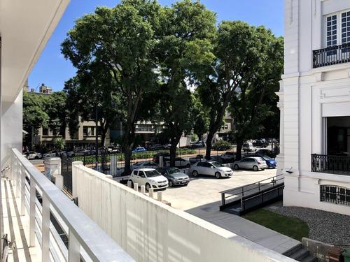 Oficina En Edificio De Oficinas Dhk - Br. Artigas Frente A La Española