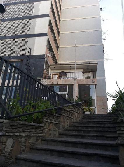 Ref# 041 Andres Bello Apartamento De 2 Habitaciones.