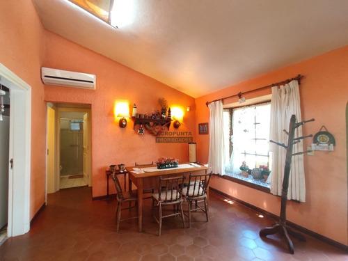 Casa En Brava, 3 Dormitorios *- Ref: 3845