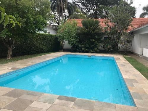 Casa Em Granja Viana, Cotia/sp De 342m² 3 Quartos Para Locação R$ 18.000,00/mes - Ca327513