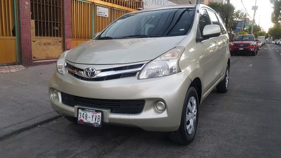 Toyota Avanza 1.5 Premium Automática Seminueva