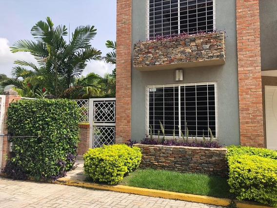 Casa En Venta Cod, 419983 Hilmar Rios 0414 4326946