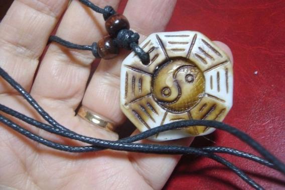 Colar Gargantilha Pingente Tai Chi Simbolo Amuleto Joia