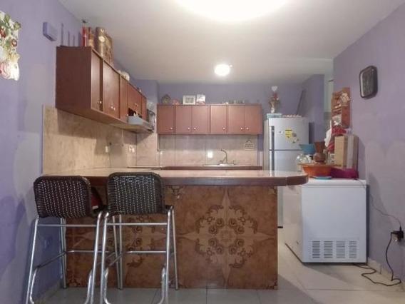 Hermoso Apartamento En La Placera Maracay Mm 19-14071
