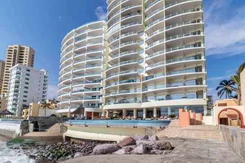 Condominio En Venta A Pie De Playa En Cerritos Mazatlan
