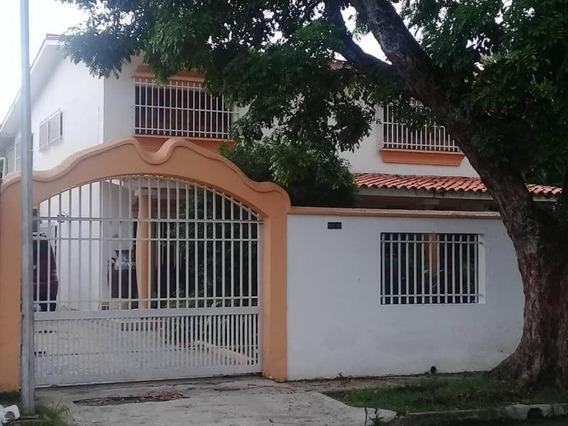 Casa En Venta La Viña Valencia Cod 20-11219 Ycm