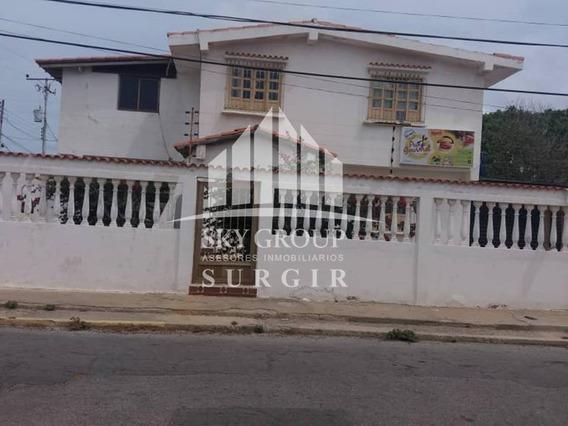 Casa En Los Caciques Sgc-011