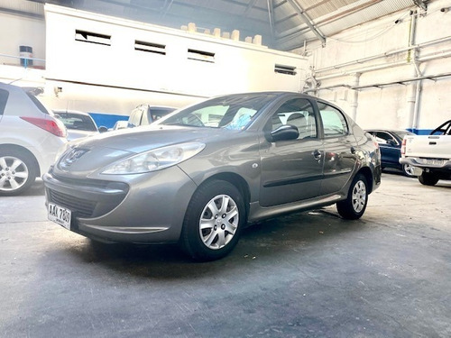 Peugeot 207 Compact 1.4 2010. Impecable!
