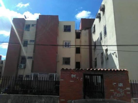 Apartamento En Venta Patarata Lara Cod 20-4878 Rg
