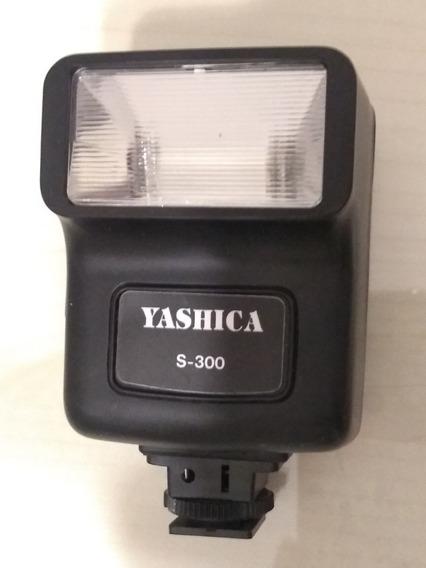 Flash Yashica S300