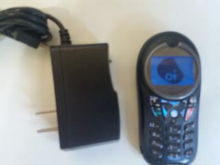 Celular Motorola C115 Com Carregador Da Operadora Oi