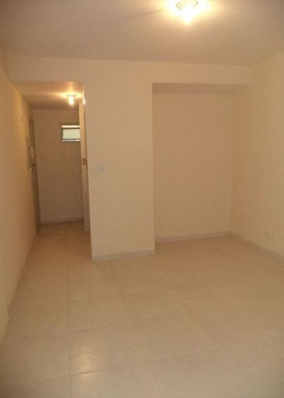 Apla Kit Com Dormitório, Sala, Cozinha E Banheiro, Rua Santo Amaro- Bela Vista. - Md444