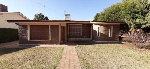 Imagen 1 de 14 de Vendo Importante Chalet Villa Rumipal
