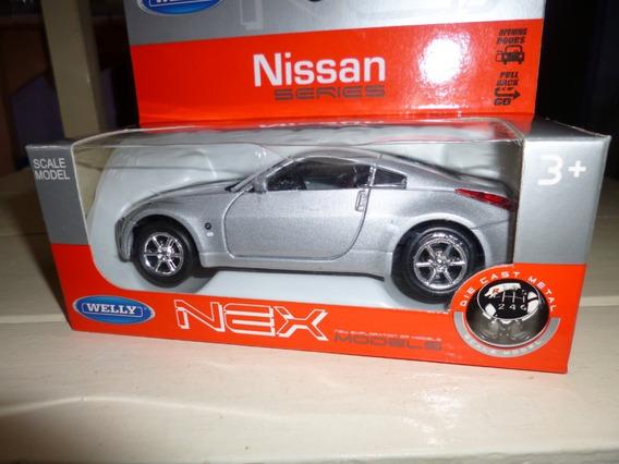 Auto Juguete De Coleccion Welly Nissan Escala 1/36