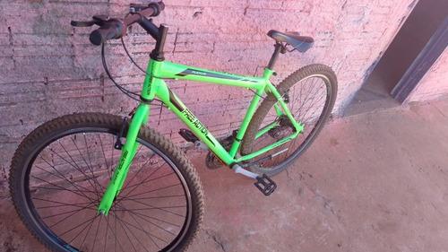 Imagem 1 de 2 de Bike