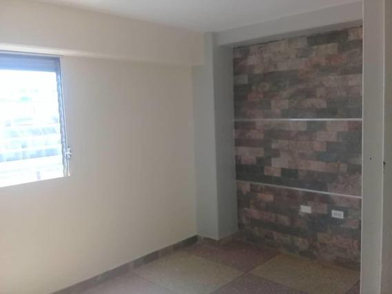 Oficina En Alquiler En Centro De Barquisimeto #20-22256