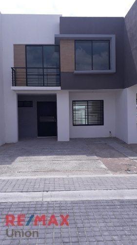 Venta De Casa En Residencial San Gerardo. Mod. Acerina Coto 83